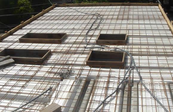 Vista superior de un forjado en plena construcción